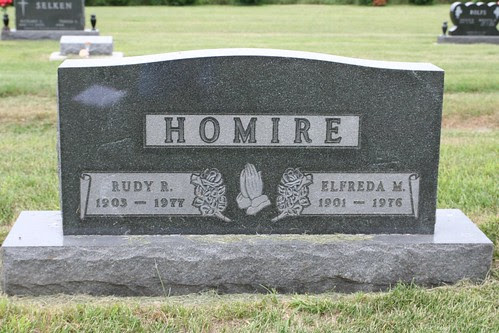 Tombstone of Rudy and Elfreda Homire