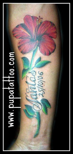Tatuaje Flor. Pupa Tattoo Granada