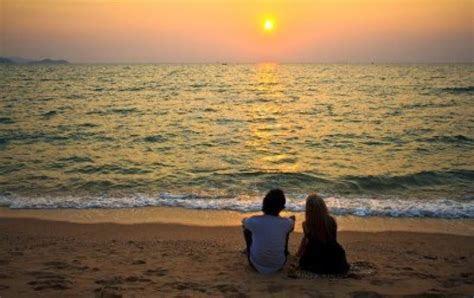 kumpulan puisi cinta romantis sedih islami
