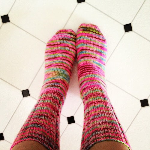 They are finished!! Sport weight socks knit up so quickly!! #socks #knitting #ravelry #toeup #magicloop