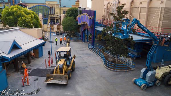 Disneyland Resort, Disneyland, Monorail, Disney California Adventure, Frozen, Hollywood Land