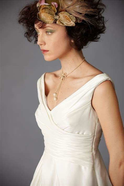 great necklace for my v neck dress   wedding love   Pinterest
