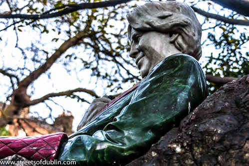 The Oscar Wilde Memorial In Merrion Square (Dublin) by infomatique