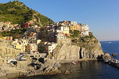 Manarola: Finding A Glimpse of Old Italy in Cinque Terre - GoNOMAD Travel
