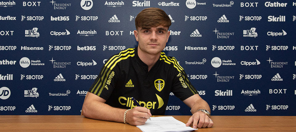 Leeds United complete Lewis Bate signing from Chelsea