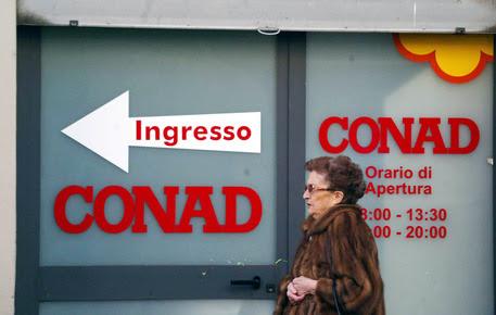 Conad rileva supermercati e negozi italiani di Auchan © ANSA