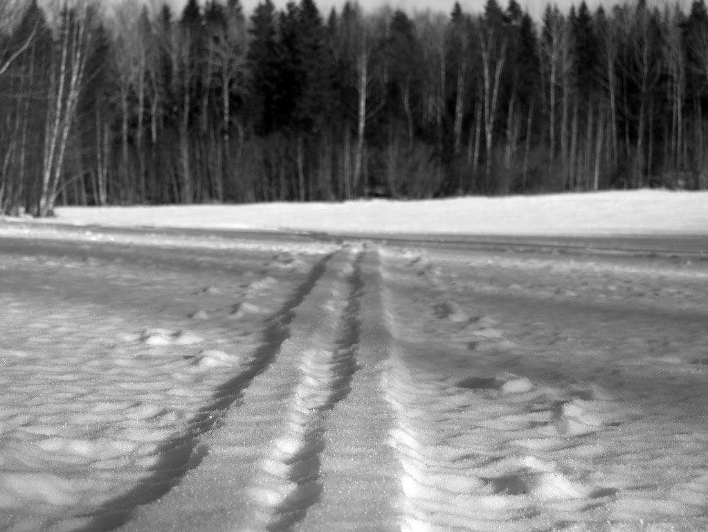The impossible ski-track