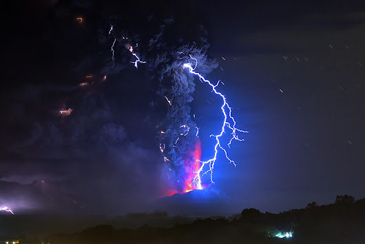 Chile's Calbuco volcano just erupted violently — and it's caught on video