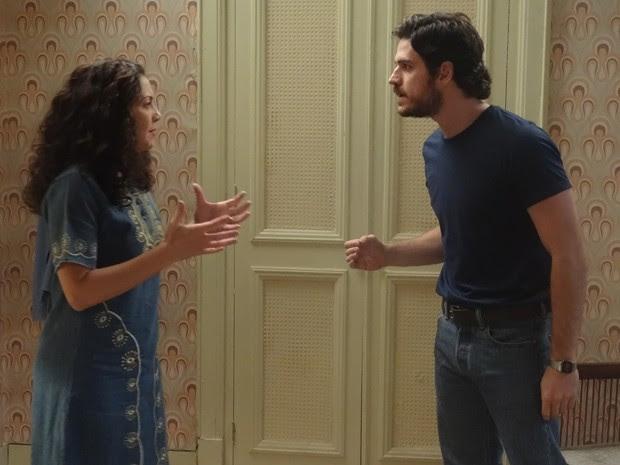 Rafael diz para Cristina que vai romper relações com a tia caso ela conte a verdade para Elísio (Foto: Boogie Oogie/TV Globo)