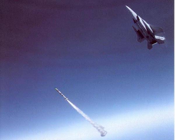 ¿Podría el diseño del asesino F-15 satélite reactivarse?