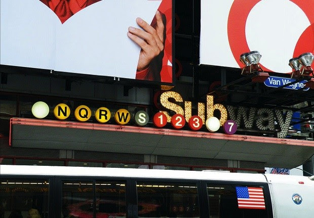 New York City subway WiFi plans expand to 30 more stations, let you Twitter underneath Times Square