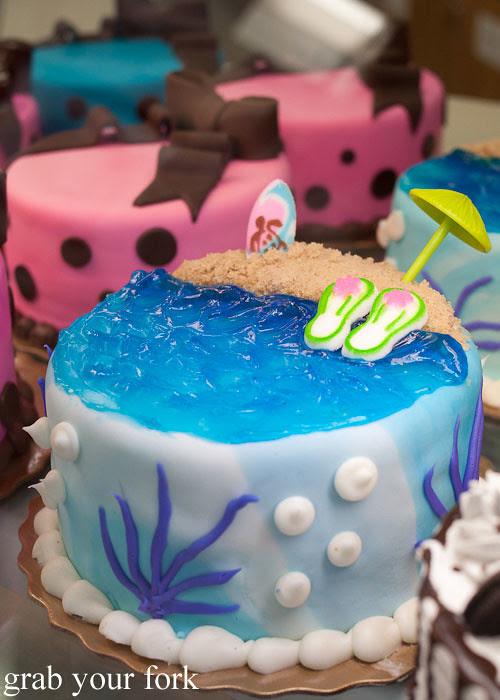 beach cake carlo's bakery cake boss buddy valastro new jersey
