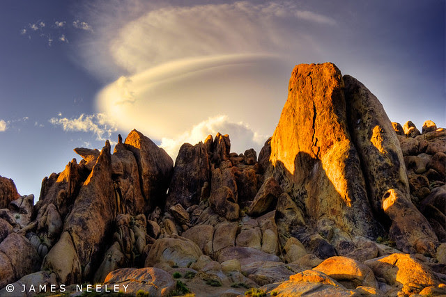 Sierra Lenticular over the Alabama Hills