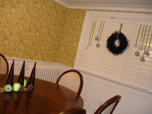 yellow dining room wallpaper