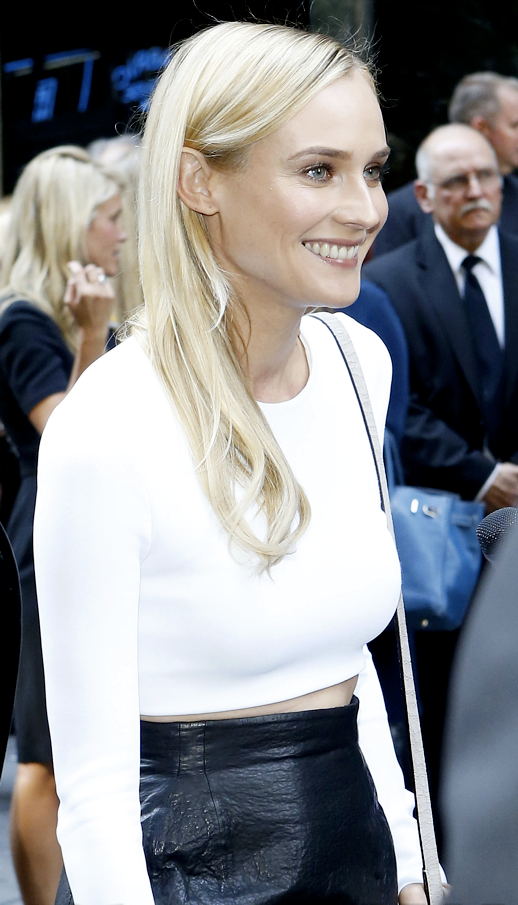 LE FASHION BLOG DIANE KRUGER CROP WHITE TOP TEXTURED LEATHER SKIRT BEAUTY BLONDE HAIR HIGH LIGHTS FLAWLESS SKIN MIDRIFF BARING MIDRIFF RED NAILS CALVIN KLEIN SS SPRING SUMMER 2013 FASHION SHOW NYFW SMALL CROSSBODY BOX BAG 1 photo LEFASHIONBLOGDIANEKRUGERCROPWHITETOPLEATHERSKIRT1.png