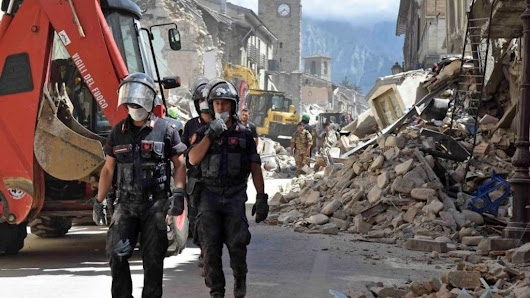 Earthquake in central Italy leaves dozens dead - BBC News