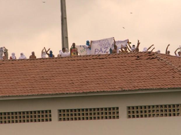 Manifestação foi pacífica, segundo a direção do presídio (Foto: Reprodução/TV Paraíba)