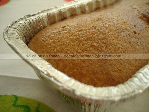 Bolo de limão-cravo (receita da Hummingbird Bakery)