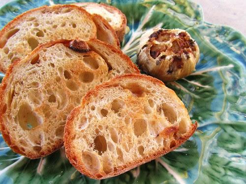 Roasted Garlic w/ Garlic Bread