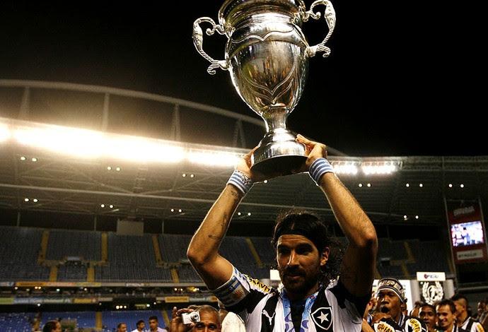 loco abreu botafogo troféu taça rio (Foto: André Durão / Globoesporte.com)