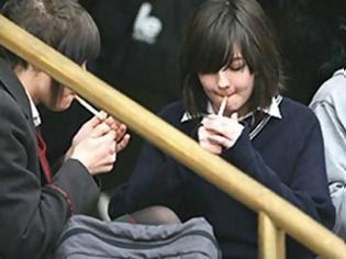 Φωτογραφία για Πρόστιμο έως και 10.000 ευρώ σε διευθυντές σχολείων αν οι μαθητές καπνίζουν