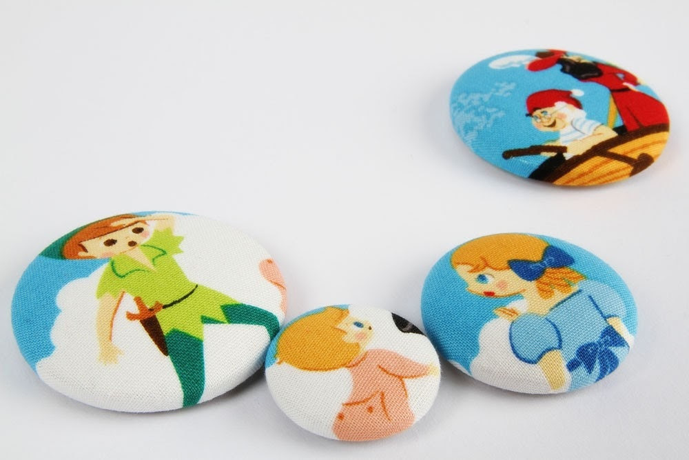 Set of 4 fabric magnets - Peter Pan look at Hook