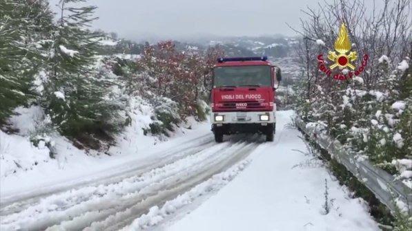 """Terremoto, il sindaco di Acquasanta: """"Un metro di neve, serve aiuto"""""""
