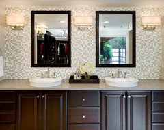 Height of bathroom wall sconces - Houzz