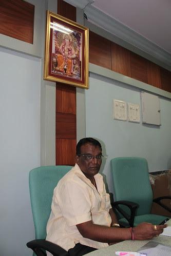 Mr Sunil Joshi Lalbagh Chya Raja Adyaksh Recieves Mrs Punam Sinhas Contribution From Me by firoze shakir photographerno1