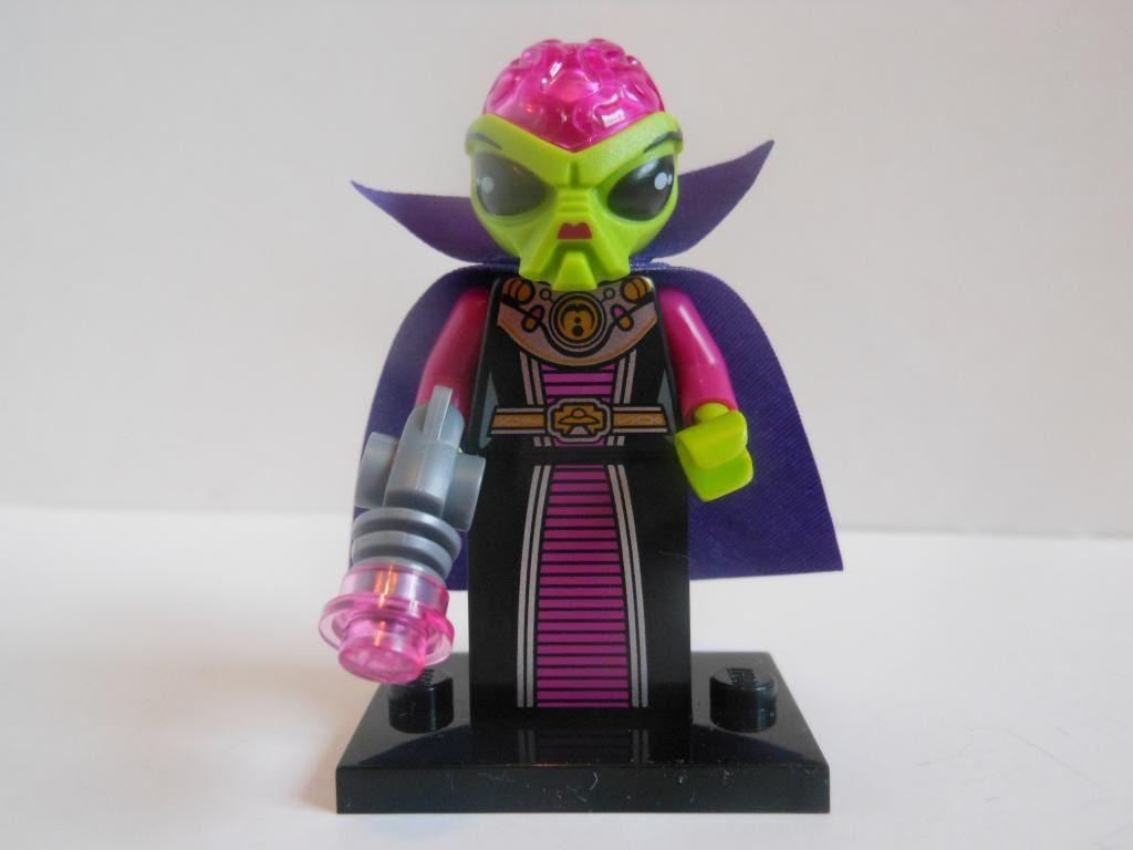 Lego alien queen