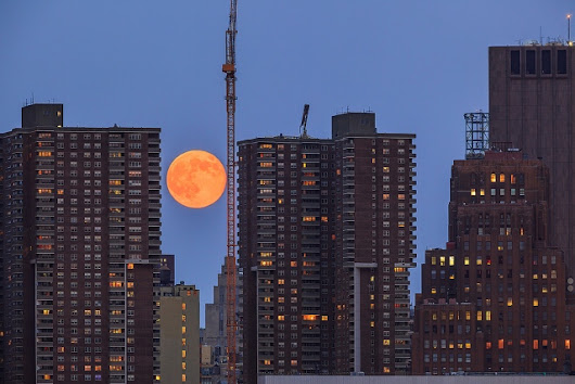 A Rare Super Blood Wolf Lunar Moon Will Be Visible In NYC This Weekend