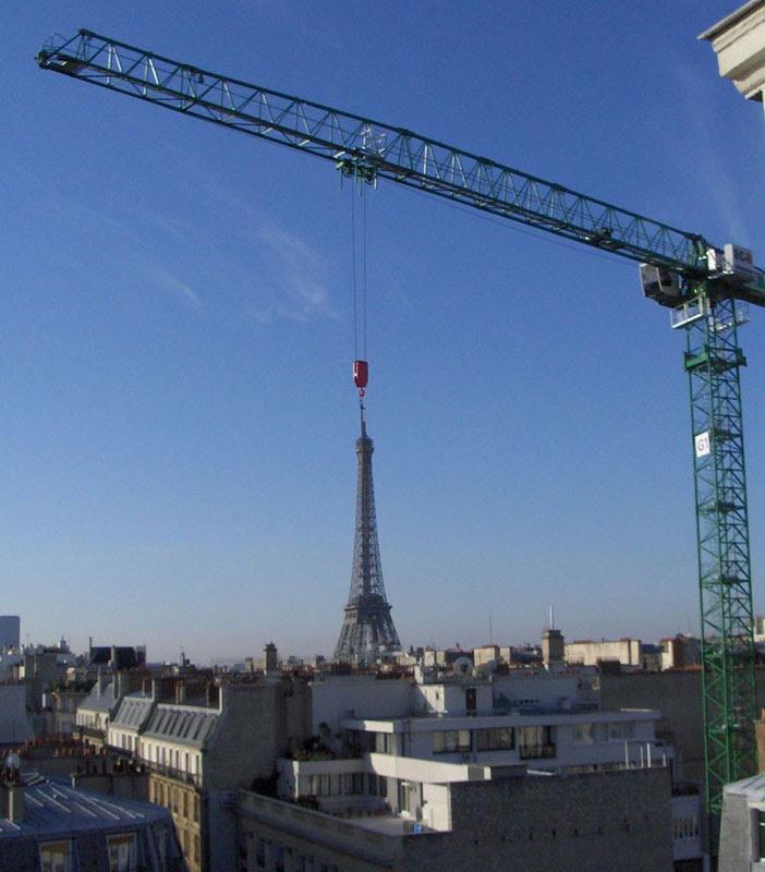 Πύργος του Άιφελ γερανός τέλειο συγχρονισμό