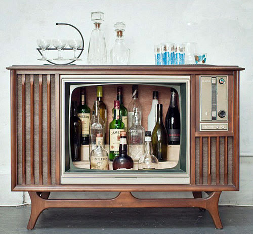 Retro TV console conversion to liquor cabinet style home bar.