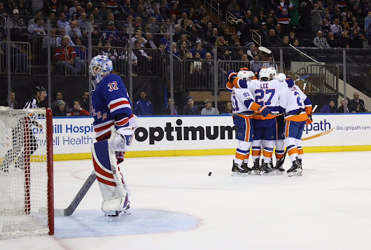 Hungrier Islanders own MSG again with 3-2 comeback win over Rangers