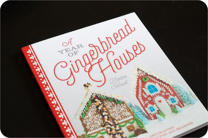 year of gingerbread houses cover cropped photo year of gingerbread houses 1 of 8.jpg