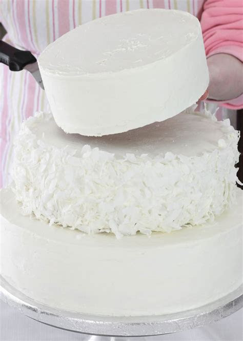 Make a Wedding Cake With SprinkleBakes   Etsy Journal