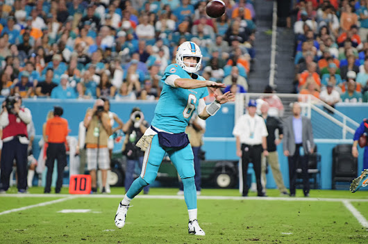 Dolphins vs Raiders – NFL Game Photos