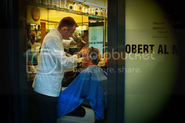 Barber Shop at Carrer Casanova 96, Barcelona [enlarge]