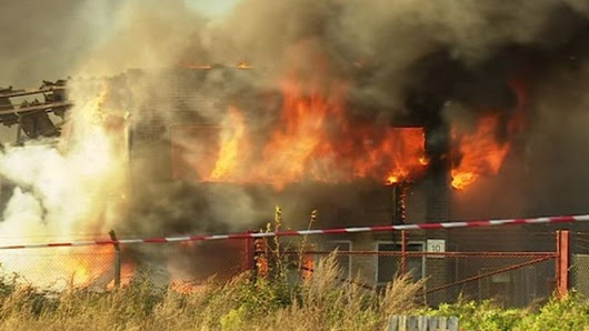 North Pickenham warehouse blaze caused by 'electrical item' - BBC News