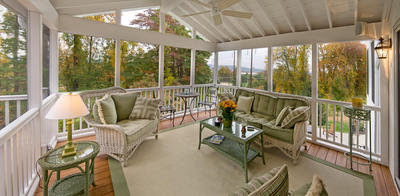 What's All the BUZZ About Screened Porches? | Archadeck Outdoor Living