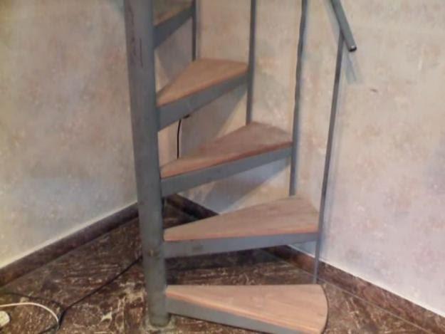 Decorar cuartos con manualidades escaleras de caracol de for Precio de escaleras extensibles