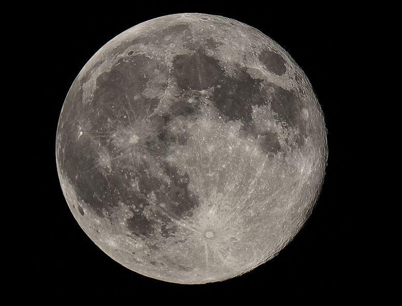 lua está deixando a terra