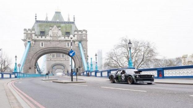 Matt LeBlanc at Tower Bridge