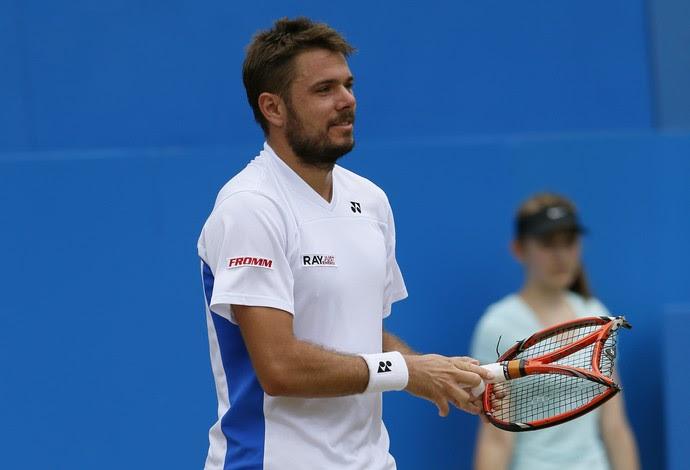 stanislas wawrinka quebra raquete contra dimitrov em queen s (Foto  Reuters) c0f04212612c2