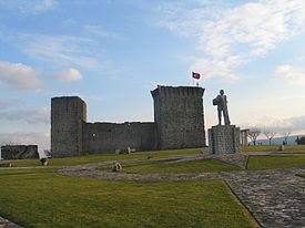 Castelo estatua ourem.jpg