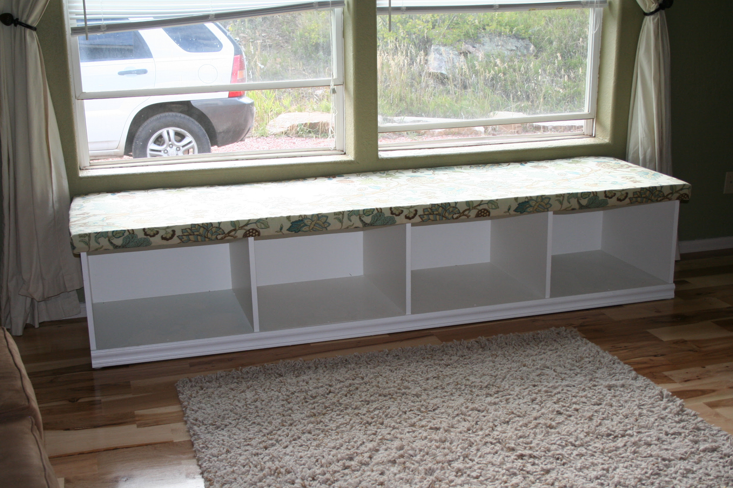 Reveal secrets  Diy Window Bench Seat With Wooden Storage (20)