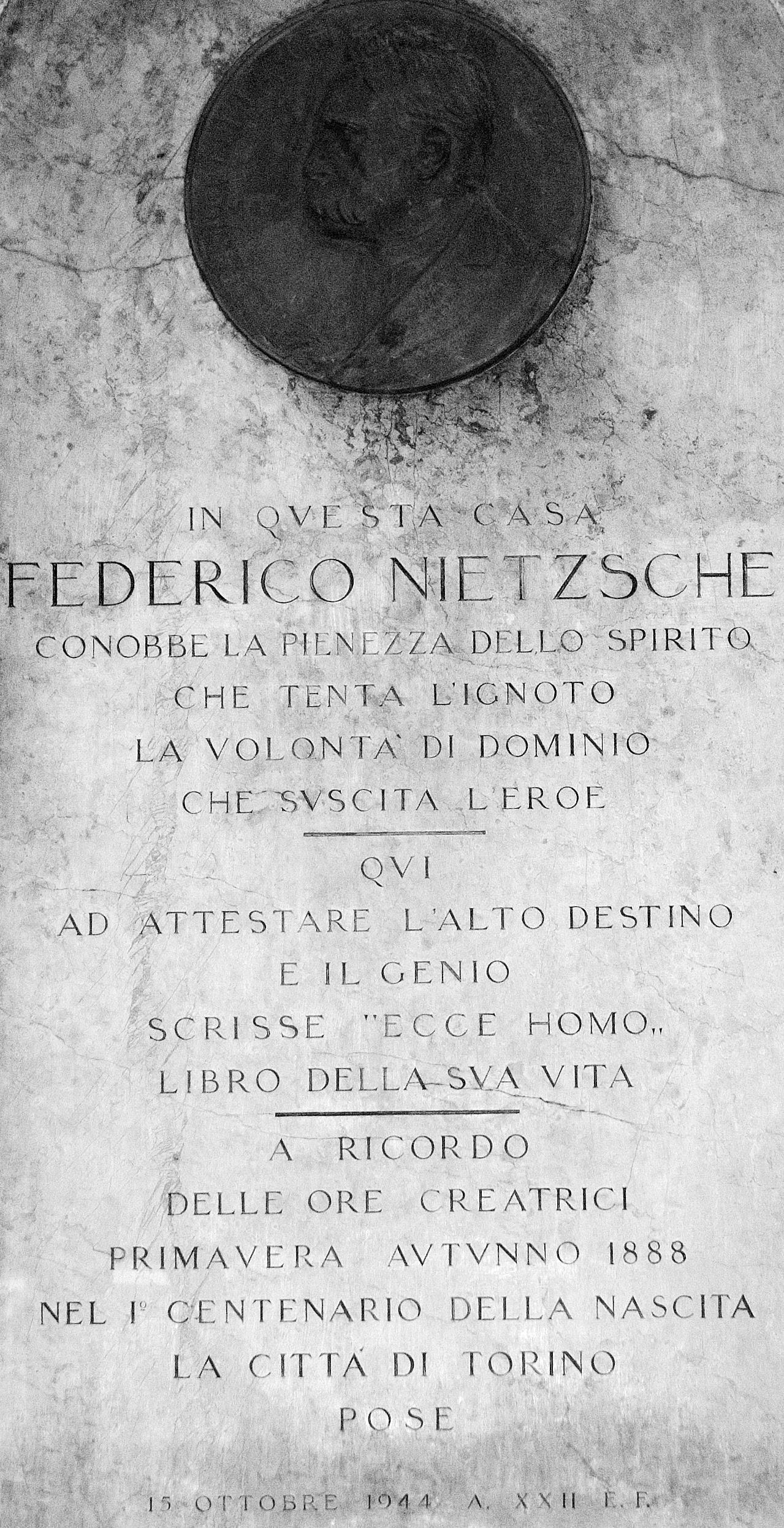 La ciudad de Torino recuerda a Nietzsche en el centenario de su nacimiento.