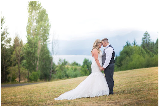 Morgan & Bobby - Gorge Ous Wedding at Wind River Ranch - Angie Grace Photography
