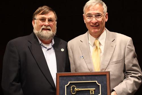 Mule Skinner named Citizen of the Year
