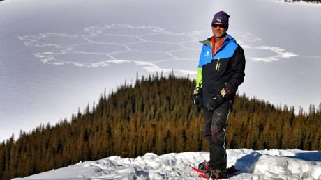 Snowshoe artist Simon Beck's leaves his mark on Banff